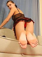 Amazingly looking dissolute babe showing off her sweet beautiful feet