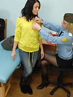 Fem traveler caught for a group customs examination
